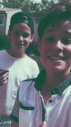 Harvey and Max are the cutest people in the world - Its True ^^ Love My Husband, Future Husband, My Love, Celebrity Singers, Celebrity Crush, Max Mills, Harvey Mills, Gabriel Conte, Sandlot