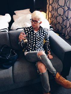 Nam Joon, proving the right man can make polka dots look attractive.  Props to you, Rapmonie.  Seriously.  ♥♥♥