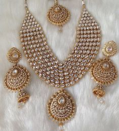 Look gorgeous wearing these beautiful precious Polki Jewellery designs. Check out various Kundan Polki Jewellery, earrings and necklace set wore by celebs. Indian Bridal Jewelry Sets, Wedding Jewelry Sets, Bridal Accessories, Bridal Jewellery, Gold Jewellery, Silver Jewelry, Jewellery Earrings, Jewellery Boxes, Opal Earrings
