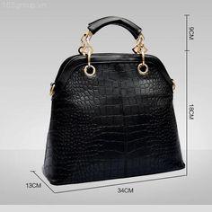 Thông tin chi tiết về sản phẩm:  - Tên sản phẩm: Túi xách thời trang cao cấp HT103 - Chất liệu: giả da cá sấu - Kích thước: 34x18x9 - Màu sắc: Đen và trắng