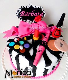 Torta animal print make up de Monica pastas y Dulces