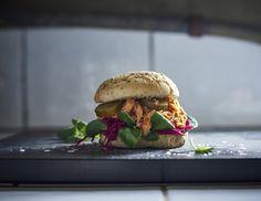 Nieuw: de pulled salmon sandwich. #IKEA #IKEAnl #nieuw #restaurant #food #zalm #sandwich #burger #ASC
