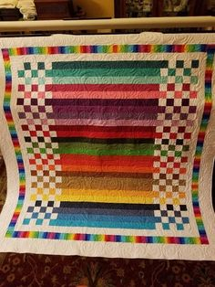 Love the stunning simplicity of this quilt. What to do with left over jelly roll strips! This would be great with those end of bolt yardages for charity sewingThis is a stunning Batik quilt top! Batik Quilts, Jellyroll Quilts, Scrappy Quilts, Easy Quilts, Amish Quilts, Colchas Quilting, Quilting Projects, Quilting Designs, Quilting Tutorials