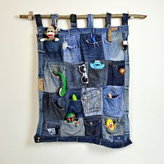 Great tutorial for a  fantastic denim pocket organiser made from upcycled old jeans Pillarboxblue.com