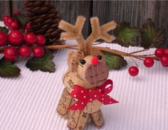 CUTE Wine Cork Art Reindeer #winelover #craft