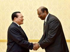 최고인민회의 상임위원회 부위원장이 세계개혁교회친교회대표단을 만났다-《조선의 오늘》