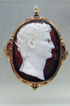 This beautiful ancient cameo unearthed in Cologne is on display in the museum. Probably a 16th century setting.