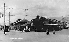 The coffee-stall at the junction of Dato Keramat Road and Macalister Road before 1930 - Photograph from Ric Francis, also published in his book Penang Trams, Trolleybuses and Railways