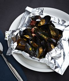 Grilled Mussels with Garlic, Tomatoes and Pancetta in a Foil Packet, definitely going to try this one night!!