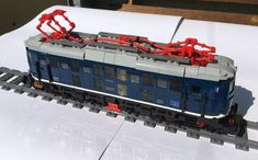 Lego City Train, Lego Trains, Boy Toys, Toys For Boys, Brick In The Wall, Lego Mechs, Best Christmas Cookies, Lego Architecture, Electric Locomotive
