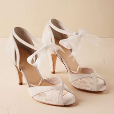 0bc4c27ba14e Say Yes To Lace! 18 Timelessly Romantic Lace Wedding Shoes