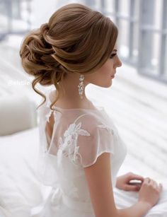 #HairStyles Best Ideas For Wedding Hairstyles : Featured Hairstyle: Elstile; www.elstile.com; Wedding hairstyle idea.