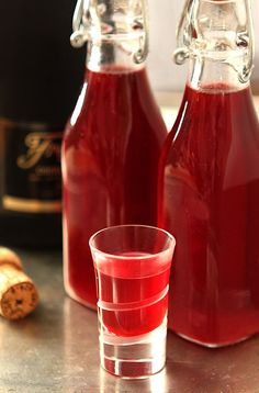 Homemade Cranberry Liqueur Without a doubt my favorite liqueur; this post will show you Homemade Cranberry Liqueur. So easy beautiful and SO good! Cranberry Liqueur Recipes, Cranberry Vodka, Homemade Liqueur Recipes, Vodka Cocktails, Holiday Cocktails, Alcoholic Drinks, Homemade Alcohol, Homemade Liquor, Cocktail
