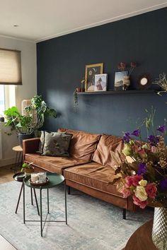 Dark Walls Living Room, Boho Living Room, Home Living, Living Room Sofa, Copper Living Room, Room Wall Colors, Living Room Colors, Living Room Designs, Sitting Room Decor