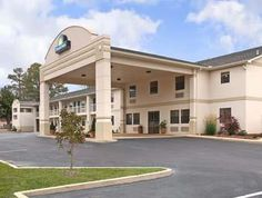 Fordyce (AR) Days Inn Fordyce United States, North America Days Inn Fordyce is perfectly located for both business and leisure guests in Fordyce (AR). The hotel has everything you need for a comfortable stay. Facilities like pets allowed, safety deposit boxes, Wi-Fi in public areas, meeting facilities, business center are readily available for you to enjoy. Each guestroom is elegantly furnished and equipped with handy amenities. Access to the hotel's jacuzzi, outdoor pool will...