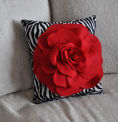Red Rose on Zebra Pillow - size Bedroom Home Diva Decor Sassy statement, Animal lovers decor gift for her Sewing Pillows, Diy Pillows, Decorative Pillows, Throw Pillows, Felt Flower Pillow, Felt Pillow, Diy Home Crafts, Sewing Crafts, Creation Deco