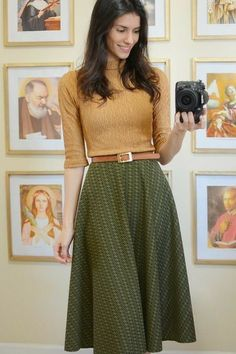 Pin on Fall Outfits for Work Teachers I'm not sure if the long skirt would wo. - Pin on Fall Outfits for Work Teachers I'm not sure if the long skirt would wo. Long Skirt Outfits, Winter Skirt Outfit, Modest Outfits, Cute Outfits, Church Outfit Winter, Rock Outfits, Church Outfits, Work Fashion, Modest Fashion