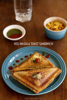 veg masala toast sandwich recipe with stepwise photos. these veg masala sandwich are more filling than the other plain toast sandwiches as there are veggies Vegetarian Sandwich Recipes, Veg Sandwich, Easy Sandwich Recipes, Toast Sandwich, Snack Recipes, Cooking Recipes, Bread Sandwich Recipe Indian, Vegetarian Snacks, Berry Smoothie Recipe
