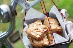These sweet dessert bars are a sure winner with everyone, perfect for bringing along to a picnic, making it with the kids on a rainy day and taking it to work for an afternoon treat. Find out how to make white chocolate brownies with raspberries and flaked almonds at Tesco Real Food.