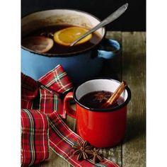 Anglický vánoční punč | Coolinářka French Press, Moscow Mule Mugs, Chocolate Fondue, Coffee Maker, Drinks, Tableware, Ethnic Recipes, Kitchen, Food