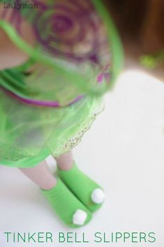This is such a fun DIY craft and dress up idea from Lalymom! Follow these easy instructions for do it yourself Tinker Bell Slippers! This would be a fun at home project to pair with watching a Tinker Bell movie. This activity is easy to do and low prep! Diy For Kids, Cool Kids, Crafts For Kids, Tinker Bell Kostüm, Diy Crafts To Sell, Fun Crafts, Fairy Crafts, Tinkerbell Doll, Little Girl Gifts