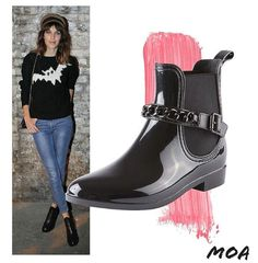 #AlexaChung certainly knows how to rock ankle boots. Get yours today at #MOA in #Dubai! #MoaME