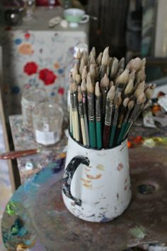 Not, I at one time long ago happened to paint. Artist Supplies, Artist Life, Paint Brushes, Art Studios, Palette, Artsy, Drawings, Creative, Crafts