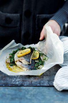 Papillote de poisson aux blettes, huile d'olive et citron - Envie d'une note plus sucrée ou très légèrement amère ? Remplacez les citrons par des oranges ou par un pamplemousse. Ou mariez-les !