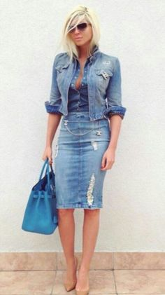 Theres just sumthing about tucking in a fitted denim shirt into a skirt or skinny that just screams sexy! Simple but Sexy & brave to wear denim on denim on denim!