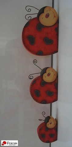 Ladybird of the wall of Wood Log Crafts, Wood Slice Crafts, Crafts To Make, Arts And Crafts, Diy Crafts, Tole Painting, Painting On Wood, Easter Crafts, Christmas Crafts