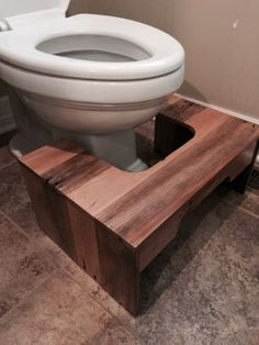 The Homestead Survival | Build a Child Step Stool for the Toilet from Wood Pallets | DIY Project - Pee Pee Stool - Homesteading - http://thehomesteadsurvival.com
