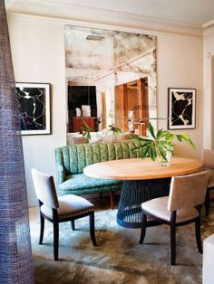 Pascua Ortega - Madrid dining with aged mirrors and Pablo Palazuelo art Dining Room Banquette, Dining Chairs, Dining Rooms, Feng Shui Interior Design, Loft Interiors, Oval Table, Apartment Design, Boho, Interiores Design