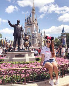 Minha primeira vez na Disney e 15 coisas legais para você fazer no Magic Kingdom! My first time at Disney and 15 cool things for you to do at Magic Kingdom! Disneyland Paris, Disney Em Paris, Cute Disney Pictures, Disney World Pictures, Disney Art, Walt Disney World, Disney California, Disney Dream, Disney Vacations