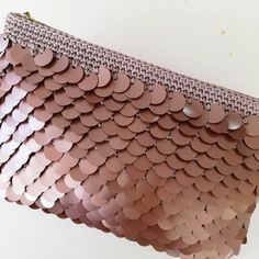 Start today with the lesson. scaly scaly # Fileçant too s. Color will try to color. Diy Wallet Fabric, Diy Wallet No Sew, Diy Wallet Pattern, Crochet Wallet, Crochet Clutch, Crochet Purses, Diy Bags And Purses Patterns, Diy Bags Purses, Diy Purse