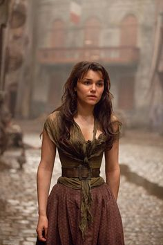 Eponine! In other news look how tiny her waist is!