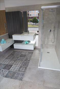 #bathroom #bathroomdesign #design #diseño #calidad #porcelanosa #senssia #lapitec #profiltek #mampara #bukdesignleon #buk #bukbaños #bukreformas #azulejorectificado #mosaico Bathtub, Bathroom, Home, Divider Screen, Mosaics, Standing Bath, Washroom, Bathtubs, Bath Tube