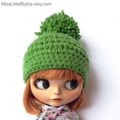 Un favorito personal de mi tienda Etsy https://www.etsy.com/it/listing/280344060/crochet-hat-for-blythe-doll-gorrito-para