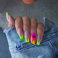 How to choose your fake nails? - My Nails Glow Nails, Aycrlic Nails, Cute Nails, Pretty Nails, Swag Nails, Stiletto Nails, Grunge Nails, Summer Acrylic Nails, Best Acrylic Nails
