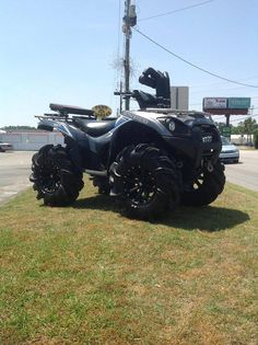 I would like to have a four wheeler like this in 5 years because i love muddin.