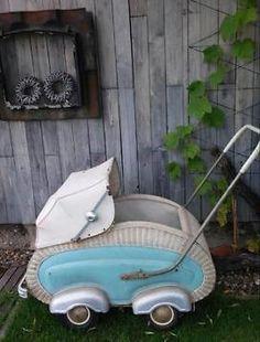 Baby Transport, Vintage Pram, Old Baskets, Prams And Pushchairs, Dolls Prams, Baby Buggy, Retro Baby, Baby Prams, Baby Carriage