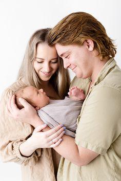 Professional Portrait, Professional Photographer, Newborn Studio, Cake Smash Photography, Photographing Babies, Photography Portfolio, Newborn Photographer, Maternity Photography, Clothing Ideas