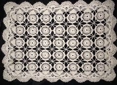 Vintage Hand Crocheted Doily Cream Circles Rectangle Fan Scalloped Edge 20 x 14