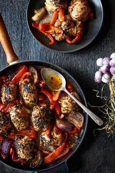 """Chicken with peppers and maple """"one pot"""" - K for Katrine Dairy Free Recipes, Meat Recipes, Cooking Recipes, Satay Recipe, Confort Food, Chicken Satay, Batch Cooking, Food Menu, Vegetable Recipes"""