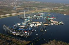 Eerie Images of Abandoned Six Flags in New Orleans. Don't Read This Before Bed