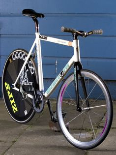 Hip Hop Slave Bikes / Hipster Sleds - London Fixed-gear and Single-speed