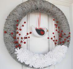Christmas Felt Bird Wreath - Gray Yarn and Felt Winter Wreath