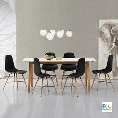 """Tento [en.casa] Jedálenský stôl """"Niko"""" HTNT-4302 s bielou matnou doskou stola z MDF o rozmeroch 180 x 80 cm. Poskytuje pohodlný priestor pre 6-8 osôb. Spolu so 6 dizajnovými stoličkami z umelej hmoty, zaujme čistým tvarom, moderným dizajnom a vynikajúcimi úžitkovými vlastnosťami. #premiumXL.sk #premiumXL #jedálenské zostavy #dizajn #štýl #bývanie #stolovanie #biele #čierne #bambus"""