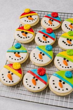 This easy-to-follow recipe makes six dozen of the best sugar cookies ever! These are quick to roll out, and great for decorating year round! Sugar Cookie Glaze, Roll Out Sugar Cookies, Sugar Cookies Recipe, Cookie Recipes, Cookie Bars, Cookie Dough, Cookie Pictures, Cooking Cookies, Christmas Goodies