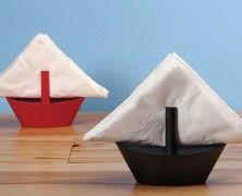 GAMAGO Sailboat Napkin Holder. Su amazon.com si possono acquistare i GAMAGO Sailboat Napkin Holder, dei portatovaglioli a forma di barca a vela. Via think.bigchief.it
