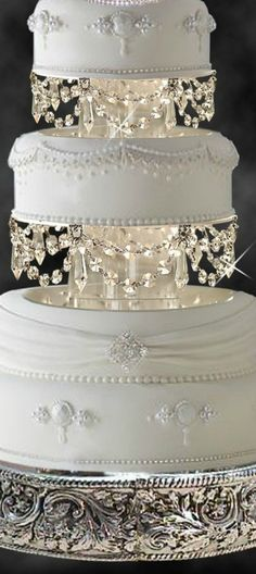 Rosamaria G Frangini ... Wedding Cakes.  ...♥♥...  Sophisticated Cake with Crystals and Silver. A little vintage.